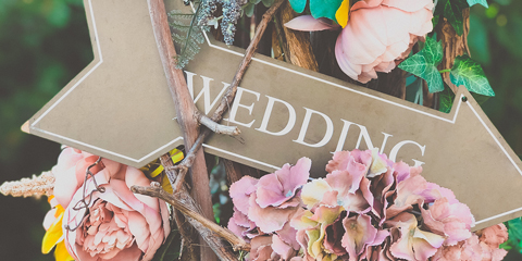 Wedding sign arrow and flowers